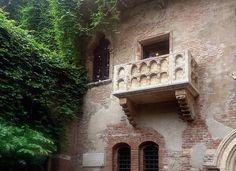 Сегодня мы расскажем про один из самых романтичных городов Италии - Верону.  Верона — город на северо-востоке Италии в регионе Венето https://www.facebook.com/diamarejewelry/photos/a.306022976263000.1073741838.170813519783947/315447958653835/?type=3&theater