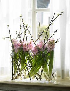 Groen wonen   Haal de lente in huis met bloemen • Stijlvol Styling - Woonblog