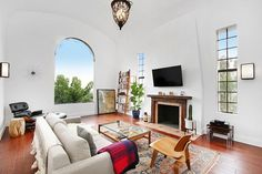 L.A.'s Most Beautiful Under-$1 Million Homes For Sale #refinery29  http://www.refinery29.com/los-angeles-one-million-dollar-homes#slide-8  Stark white walls, high ceilings, and massive windows? Sign us up. ...