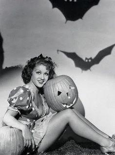 A Nostalgic Halloween: Vintage Halloween Pin-Up Girls
