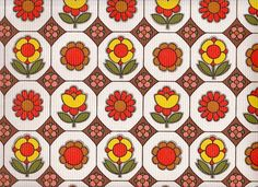 Vintage 1970s Wallpaper  Pop Flowers  Price per by Pommedejour, $16.00  (ugh! I wouldn't take it for free...)