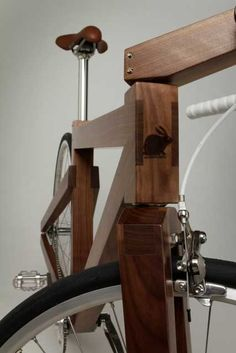 Lagomorphdesign's walnut bike  1 of the Best gifts ever for a city man, it keeps on given and looks great in the process