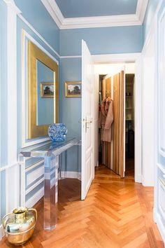 Versteckter Kammer hinter Garderobe    Hidden room behind wardrobe    Foto: Viktoria Stutz