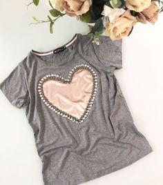 60 Trendy Sewing Clothes Shorts T Shirts Diy Clothing, Sewing Clothes, Short Outfits, Dress Outfits, Diy Fashion, Fashion Outfits, Embroidery Fashion, Diy Embroidery, T Shirt Diy