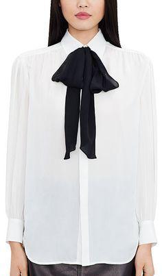Chemisier à nouer en soie signé Polo Ralph Lauren   la lavallière  contrastée met en valeur 58d93f1be4c
