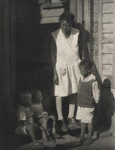 Doris Ulmann (United States, 1882-1934) - woman with children, 1933