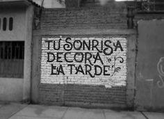 """Acción Poéticas: """"Tu Sonrisa Decora La Tarde"""" (Your smile decorates the afternoon) en Chiclayo, Peru"""