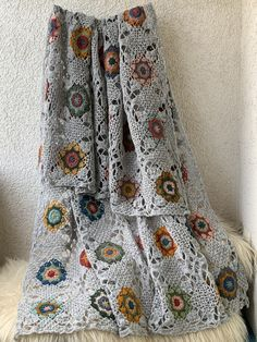 Reserved for Lily. Crochet Hexagon Blanket, Crochet Squares, Crochet Motif, Crochet Shawl, Crochet Lace, Crochet Afghans, Crochet Blankets, Square Patterns, Wool Yarn