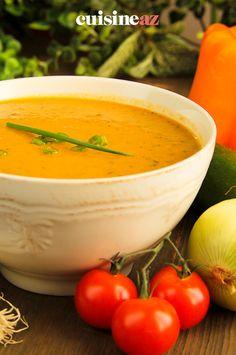 La soupe de légumes est une entrée chaude facile à cuisiner au Thermomix. #recette #cuisine #soupe #legume #robot #robotculinaire #thermomix Cantaloupe, Robot, Fruit, Restaurants, Cream Soups, Cooking Recipes, Robots