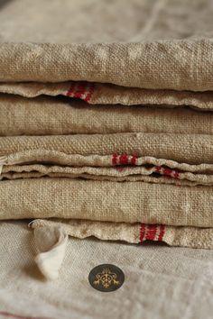 Linen cloth former