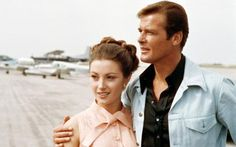 Jane Seymour: Why Roger Moore fed me onions before our sex scene and was the best Bond of all Eric Rogers, Joe Lando, Best Bond, James Bond Movies, Roger Moore, Jane Seymour, Bond Girls, Romans, Old Hollywood