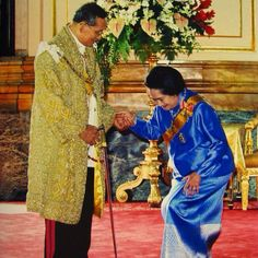 His Majesty King Bhumibol Adulyadej with Her Royal Highness Princess Galyani Vadhana, the Princess of Naradhiwas (6 May 1923-2 January 2008) the elder sister of King Ananda Mahidol (Rama VIII) and King Bhumibol Adulyadej (Rama IX). ๒ มกราคม ๒๕๕๗ ๗ ปีแห่งการสิ้นพระชนม์ของสมเด็จพระเจ้าพี่นางเธอ เจ้าฟ้ากัลยาณิวัฒนา กรมหลวงนราธิวาสราชนครินทร์ ✨ด้วยสำนึกในพระกรุณาธิคุณล้นเกล้าล้นกระหม่อมอย่างหาที่สุดมิได้✨
