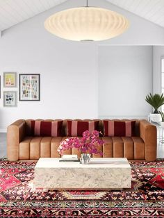 Browse midcentury modern living room designs and other interior decorating ideas on Havenly. Find inspiration and discover beautiful interiors designed by Havenly's talented online interior designers.