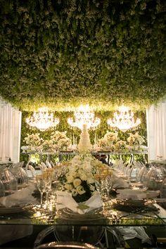Casamento de luxo com decoração aérea