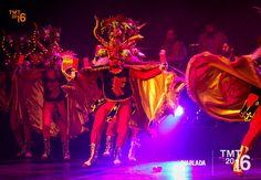 """Actualmente esta danza se representa en distintas zonas del país agrupando a una importante cantidad de bailarines o """"diablos"""" vestidos con llamativos colores , mascaras extravagantemente adornadas con dragones y serpientes"""