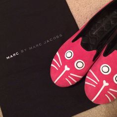 Marc Jacobs Kitty flats Pink kitty Marc Jacobs flats worn a couple times in great condition. Comes with dust bag. Still have bottom part of original box also. Marc by Marc Jacobs Shoes Flats & Loafers