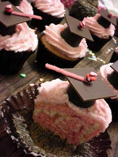 Yay! I found my old cupcakes on pinterest :}