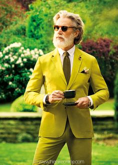 Smashing colours with a beard Yellow Suit, Green Suit, Sharp Dressed Man, Well Dressed Men, Aiden Shaw, Fashion Outfits, Mens Fashion, Older Men, Beard Styles