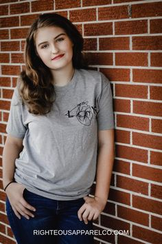 Gray Love T-shirt Hipster Outfits, Hipster Fashion, Mens Fashion, Hipster Style, Fashion Shirts, Cheap Boutique Clothing, Size Clothing, Christian Clothing, Christian Apparel