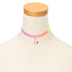 The choker trend is for all ages. Get a retro and colorful lookwith this plastic tattoo choker necklace adorned with a rainbow unicorn charm. Perfect for little fashionistas. Kids Jewelry, Cute Jewelry, Modern Jewelry, Charm Jewelry, Tattoo Choker Necklace, Beaded Necklace, Choker Necklaces, Chokers For Kids, Girls Choker
