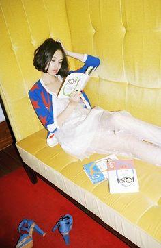 BookGirls 読書少女 — (via 묘한 느낌을 주는 한국의 포토그래퍼)
