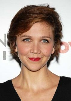 Maggie Gyllenhaal Short Wavy hairstyle- like ear sections and sideswept bangs - Modern Short Wavey Hair, Short Wavy Haircuts, Long Hair Cuts, Hairstyle Short, Hairstyle Ideas, 2015 Hairstyles, Celebrity Hairstyles, Trendy Hairstyles, Hair Styles 2014