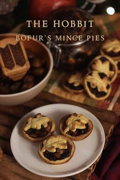 The Hobbit: Bofur's Mince Pies - Feast of Starlight - Sonntagsessen - obstkuchen Mince Pies, Pie Recipes, Cooking Recipes, Recipies, Hobbit Party, O Hobbit, Key Lime Pie, Le Diner, Lord Of The Rings