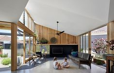 Skillion Roof Design: Beautiful & Modern Skillion Roof Ideas Open Space Living, Living Area, Living Spaces, Living Rooms, Kitchen Living, Tiny House, Louvre Windows, 1960s House, Sala Grande