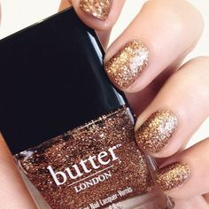 Gold glitter nails - Beauty and fashion