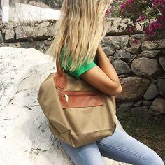 cartera-carteras-carteras de cuero-carteras de moda- carteras Peru-carteras Lima- carteras en oferta-handbags-bags-fashion bags-leather bags-PLUMSHOPONLINE.COM - INDISPENSABLE para esta primavera  cartera de cuero y nylon Noa en color beige - AHORA en OFERTA en la tienda online de Plum: http://ift.tt/2yzHdCf