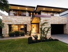 Casas dos pisos moderna con piedra                                                                                                                                                     Más