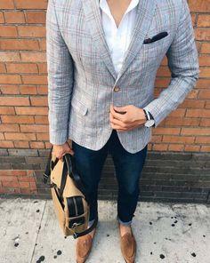 stylish men // urban men // boys // mens fashion // mens style // watches // mens bag // city life //