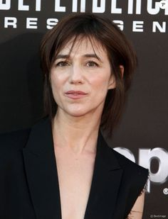 Charlotte Gainsbourg gorgeous Lady Jun 2016 She so looks like to her mother Jane ! Charlotte Gainsbourg, Serge Gainsbourg, Gainsbourg Birkin, Jane Birkin, Daft Punk, Kate Barry, Carla Bruni Sarkozy, Best Actress Award, Lou Doillon
