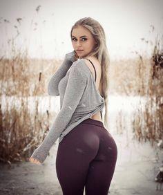 #annanystrom #annanyström #instagrammodel #fitnessmodel #winter #sweden #hotwomen #yogapants