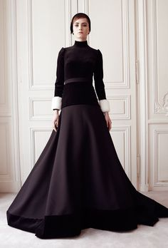 { Delphine Manivet } Haute Couture Fall Debut couture collection was a timid yet promising first step into grand evening wear. Couture Fashion, Runway Fashion, Delphine Manivet, Ballroom Dress, Modest Fashion, High Fashion, Women's Fashion, Gold Fashion, Fashion Weeks