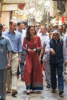 HuffPost Style  :: Kate Middleton wearing GLAMOROUS' Red Navy Border Print Lace Up Maxi Dress during Day 3 of The Royal Tour of India on April 12, 2016. < @ukglamorous www.glamorous.com >