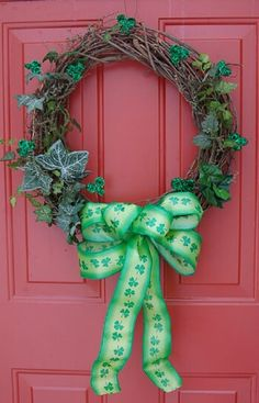 St. Patrick's wreath... luck knocking at your door