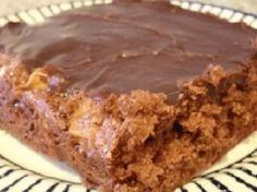 Nejrychlejší koláč s jablky a čokoládou, k přípravě potřebujete jen hrnek
