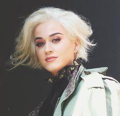 I like her hair longer like this