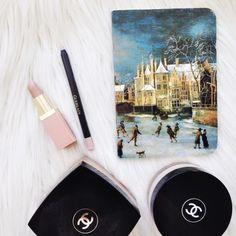 Nude lip essentials