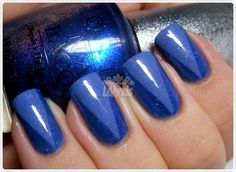 Tape mani- Esise Smooth Sailing and darker shimmery blue