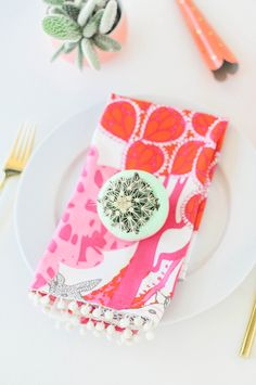 Inspired by the sold-out version by Lilly Pulitzer for Target, these DIY Pom Pom Dinner Napkins are the perfect addition to your summer tabletop! Fabric Crafts, Sewing Crafts, Sewing Projects, Sewing Ideas, Hobbies And Crafts, Diy And Crafts, Decor Crafts, Lilly Pulitzer, Do It Yourself Inspiration