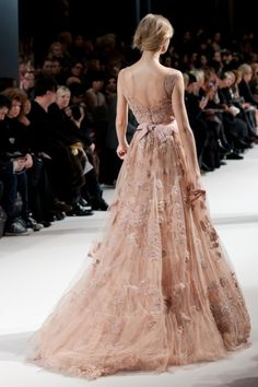 Elie Saab princess gown- I love the rose blush color Elie Saab, Beautiful Gowns, Beautiful Outfits, Gorgeous Dress, Glamour, Mode Baroque, Mode Style, Mode Inspiration, Wedding Inspiration
