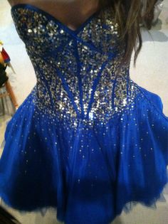 thiis is my straight up DREAM formal dress! Prom Dresses For Teens, Homecoming Dresses, Short Dresses, 8th Grade Formal Dresses, Winter Formal Dresses, Pretty Dresses, Beautiful Dresses, Carnival Dress, Dress Outfits