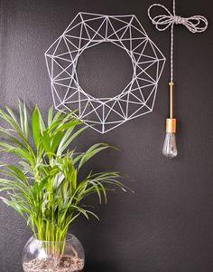 Nestas 15 guirlandas, materiais simples se transformam em decorações temáticas discretas que vão trazer o espírito natalino para a sua casa.