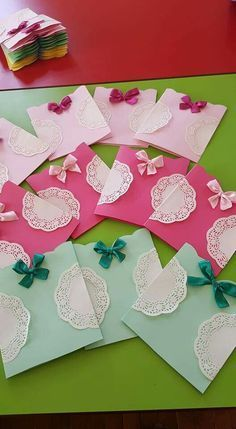 This post was discovered by çi Craft Day, Craft Gifts, Eid Greetings, Doilies Crafts, Diy And Crafts, Paper Crafts, Finger Knitting, Card Making Tutorials, Kids Cards