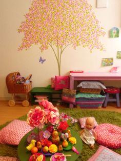 子供部屋 : こどものにわ  Beautiful room for a little girl.