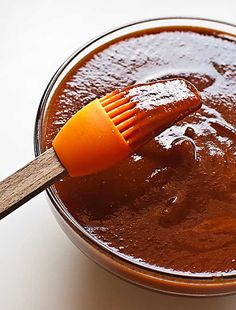 Salsa barbacoa al whisky, receta con Thermomix - Trucos de cocina Thermomix Trucos de cocina Thermomix Grilling Recipes, Cooking Recipes, Meat Marinade, Spanish Cuisine, Bbq Ribs, Dips, Vegetarian Recipes, Easy Meals, Sauces