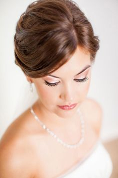Bridal Portraits - PHOTO SOURCE • FIGLEWICZ PHOTOGRAPHY | Featured on WedLoft