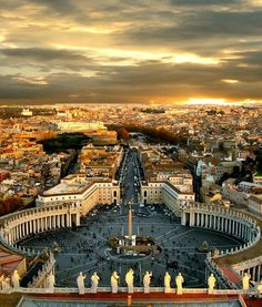 Rome. Relive the Renaissance Era right from the heart of Italy, where this great manifestation had its start. #evolutiontravelitaly #Rome